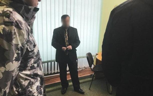 На Закарпатье задержали главу районного суда за взятку
