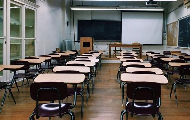 В Минобразования придумали, как быть с пожилыми учителями
