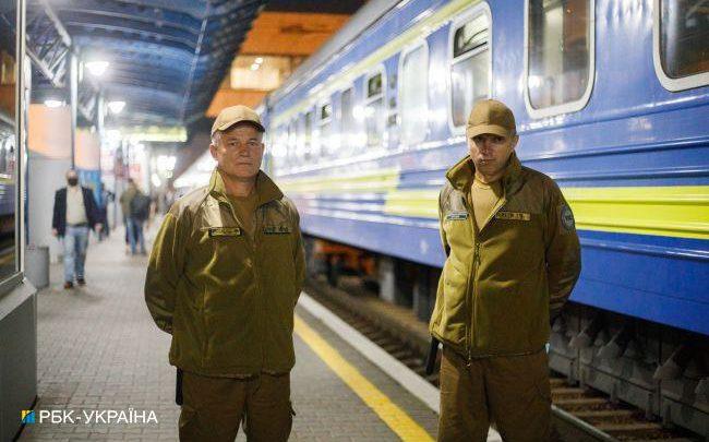 Шерифы на рельсах. Как работает новая охрана ночных поездов