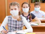 Инфекционист назвала детей двигателями пандемии