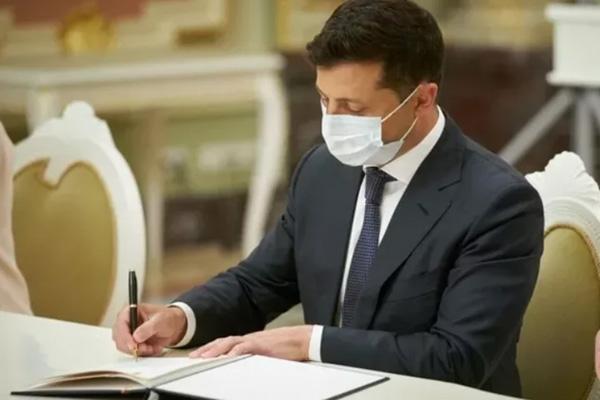 Зеленский подписал закон об урегулировании газовых долгов на 100 млрд гривен
